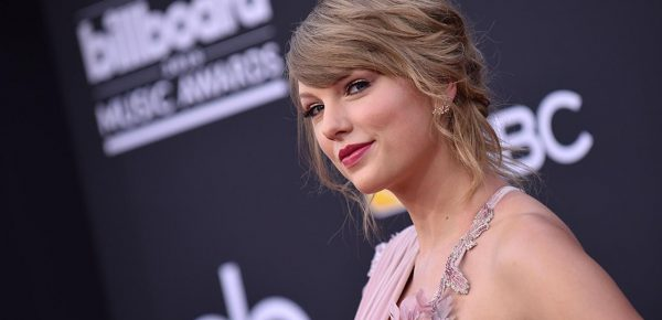 Taylor Swift a donat 15.500 de dolari pentru mama unei fane