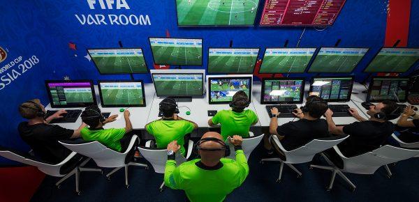 Arbitrajul video va fi implementat în acest sezon de Champions Legaue începând cu faza optimilor