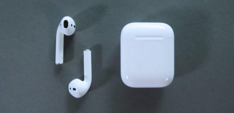 Apple a lansat o variantă nouă a căștilor AirPods