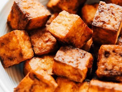 Alimente care înlocuiesc carnea. Tofu