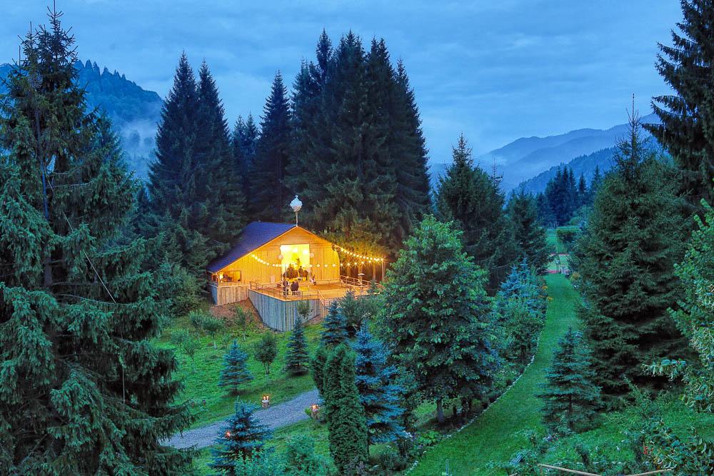Locații de nuntă în aer liber din România