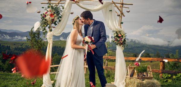 Locații de nuntă în aer liber pentru o nuntă de basm