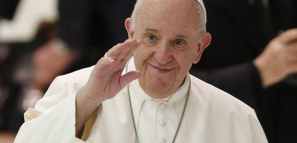 Papa susține parteneriatul civil între persoanele de același sex