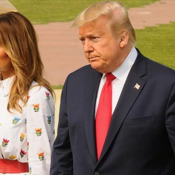 Donald Trump folosește o dublură a soției sale