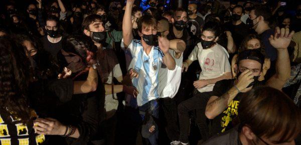 Concert-experiment în Barcelona cu sute de persoane
