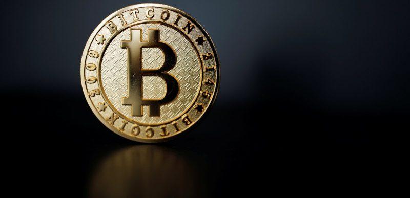 Bitcoin atinge un nou maxim istoric datorită companiei Tesla