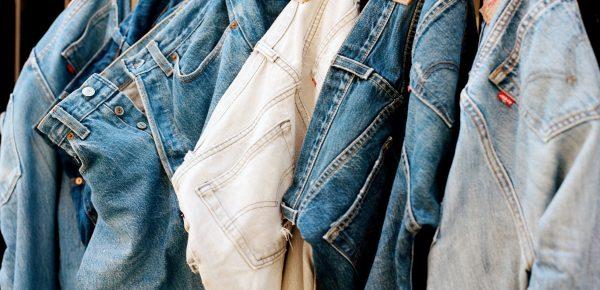 Levi Strauss: Blugii strâmți nu mai sunt la modă