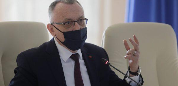 Propunere Ministrul Educației: Profesorii nevaccinați vor preda exclusiv online