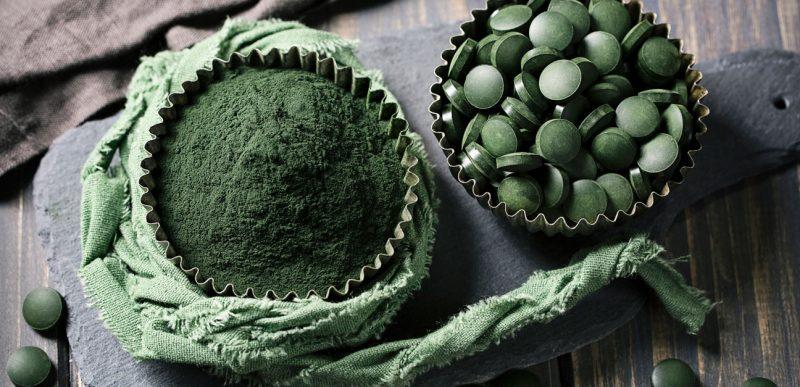 Spirulina: Top 10 beneficii pe care le poate aduce sănătății