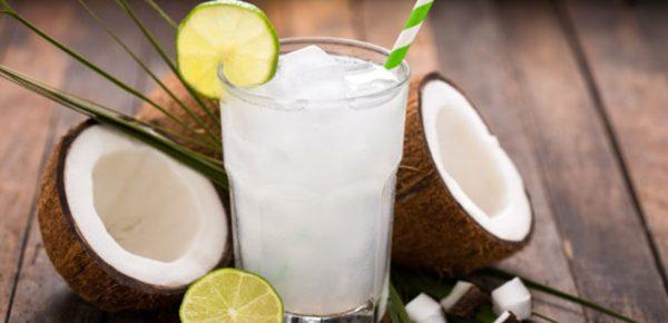 Apa de cocos: Top 7 beneficii pe care le poate aduce sănătății